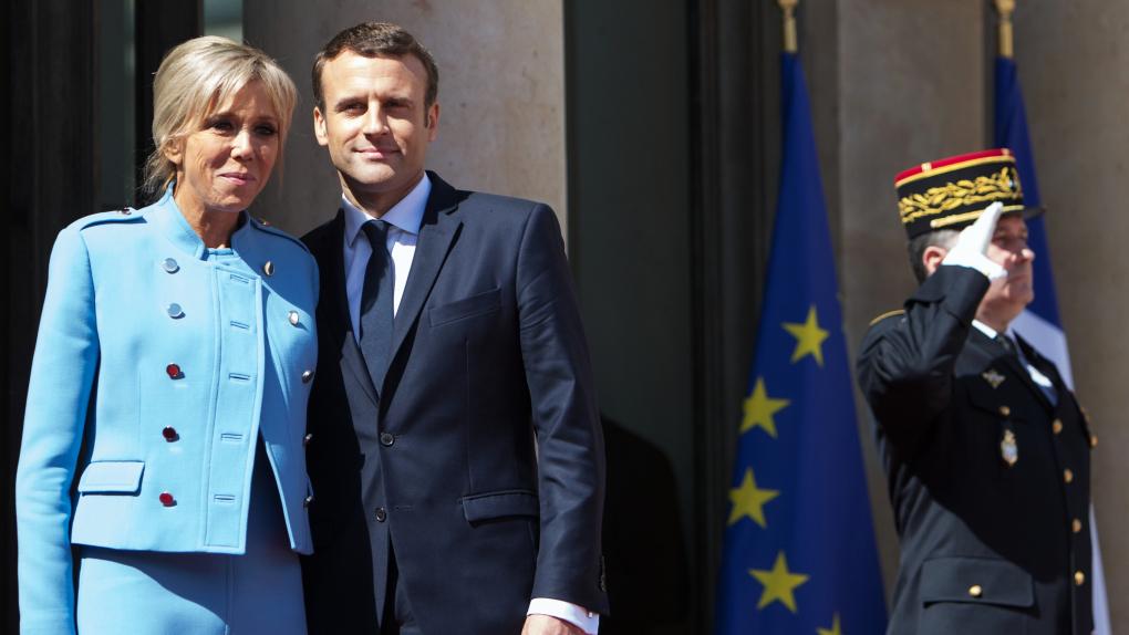 Президент Франции Эммануэль Макрон со своей супругой Бриджит после церемонии инаугурации в Париже