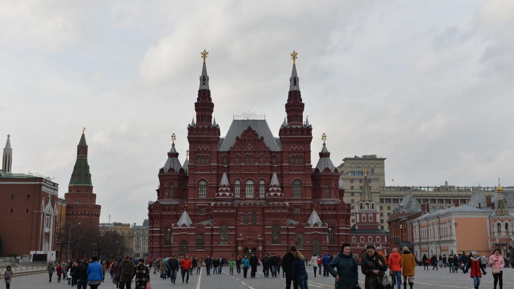 Красная площадь в Москве. В центре - Государственный Исторический музей.