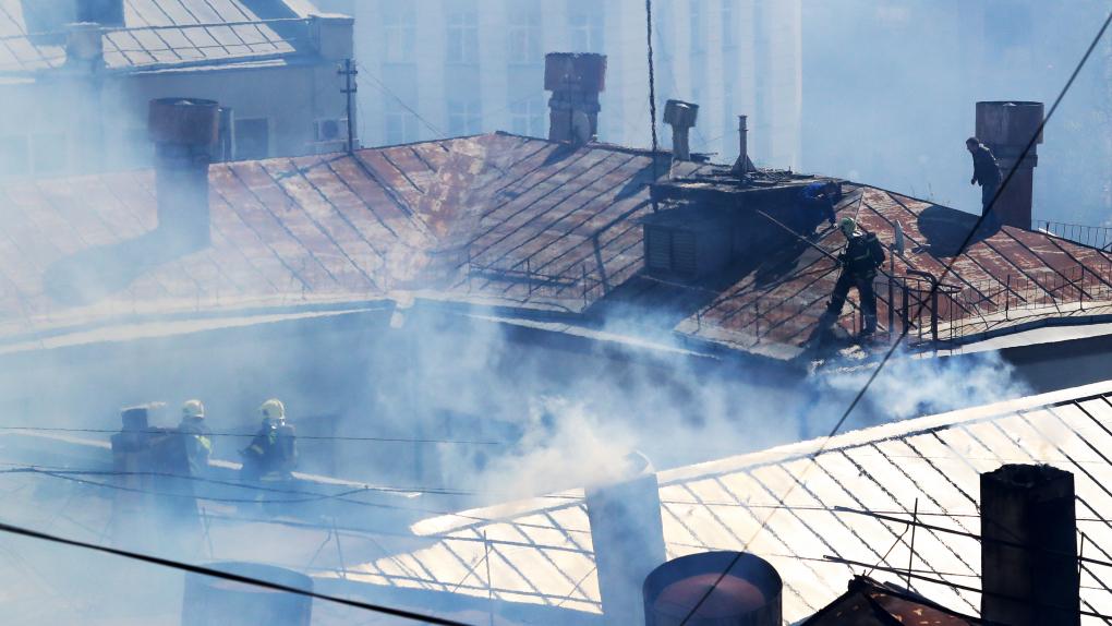 Ликвидации пожара в здании в Лубянском проезде в Москве