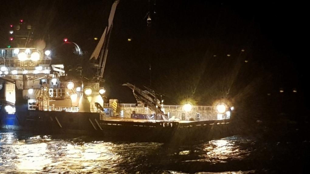 Вертолет Ми-8, потерпевший крушение у берегов Норвегии, подняли со дна Баренцева моря