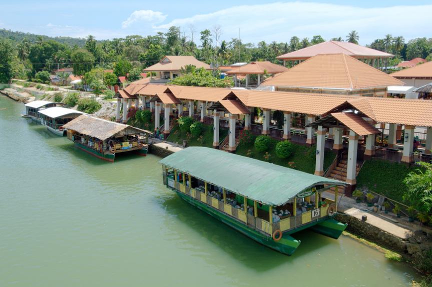 Причал прогулочных судов на реке Лобок, остров Бахол, Филиппины