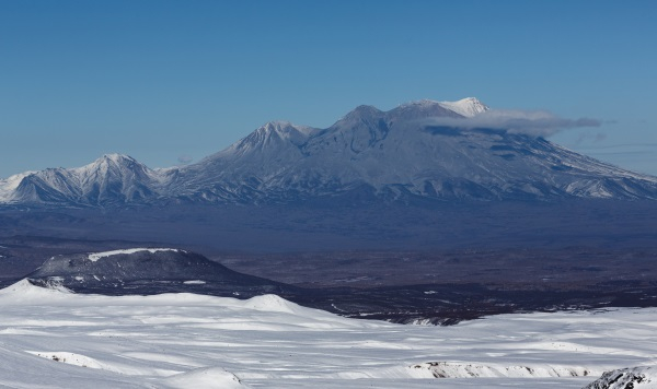 Вид на Жупановский вулкан