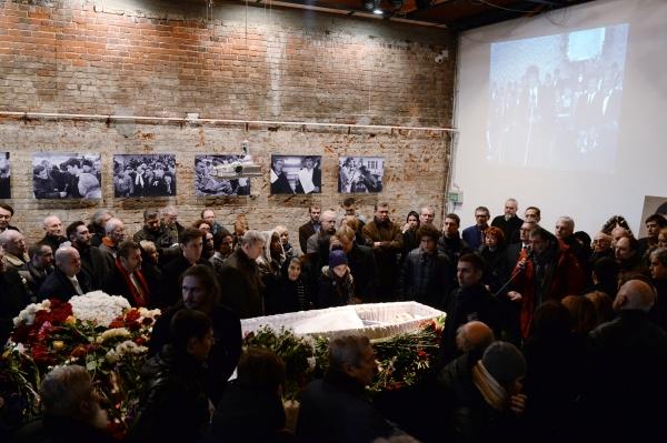 Церемония прощания с Борисом Немцовым в Сахаровском центре