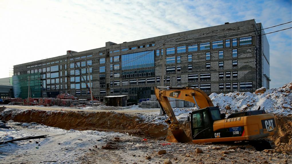 """Здание монтажно-испытательного комплекса на строительной площадке космодрома """"Восточный"""""""