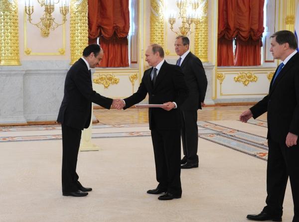 На фото: Посол Турецкой республики Умит Ярдым и Владимир Путин на церемонии вручения верительной грамоты, ноябрь 2014 года
