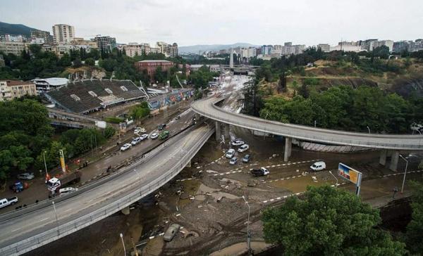 Вид на Тбилиси с квадрокоптера