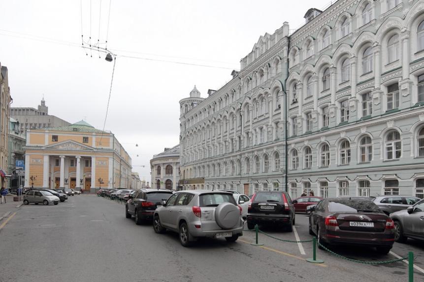 Богоявленский переулок с видом на Торгово-промышленную палату
