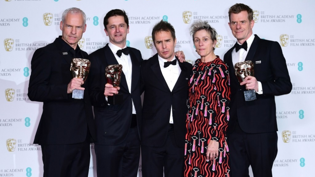Мартин Макдонах, Питер Чернин, Сэм Рокуэлл, Фрэнсис Макдормэнд и Грэхэм Броадбент (слева направо)